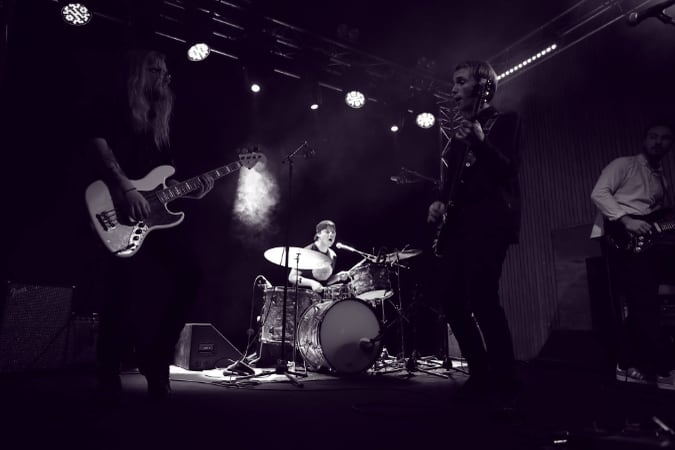 Musikradar: Little Birds och Wild Nothing