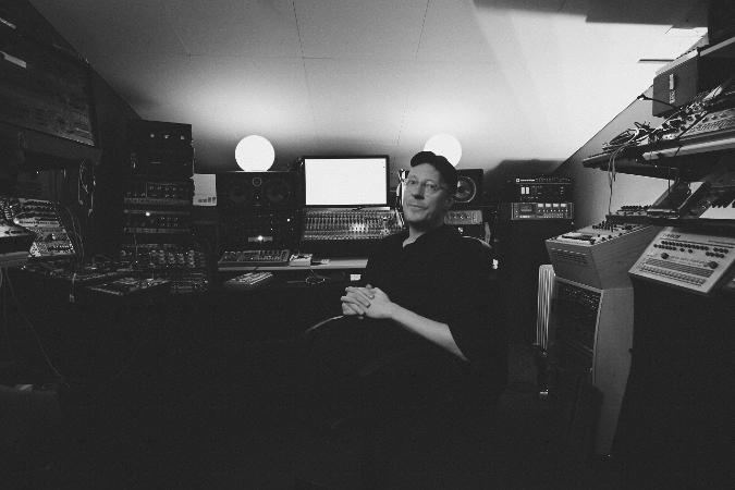 Tilliander om Elektroniskt Under Fontänen, ambient musik och Brian Eno