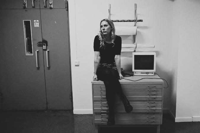 """Live Session: Clara Klingenström – """"Sthlm, allt är förlorat"""""""