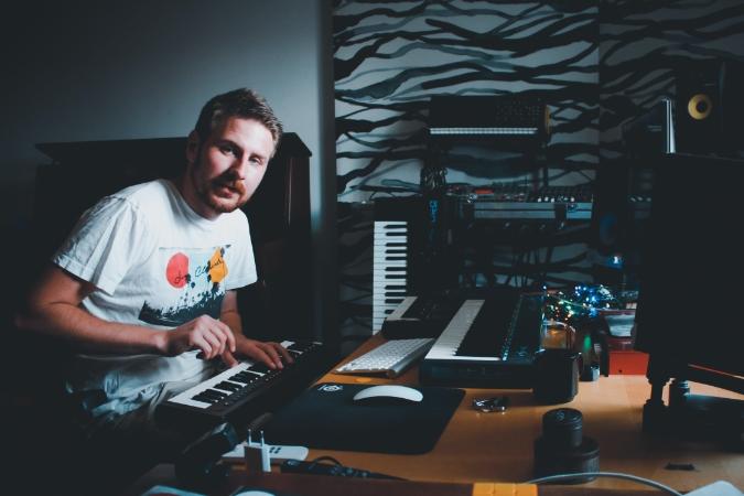 Bångstyrig indie-indiepop från Edvin Linderoth