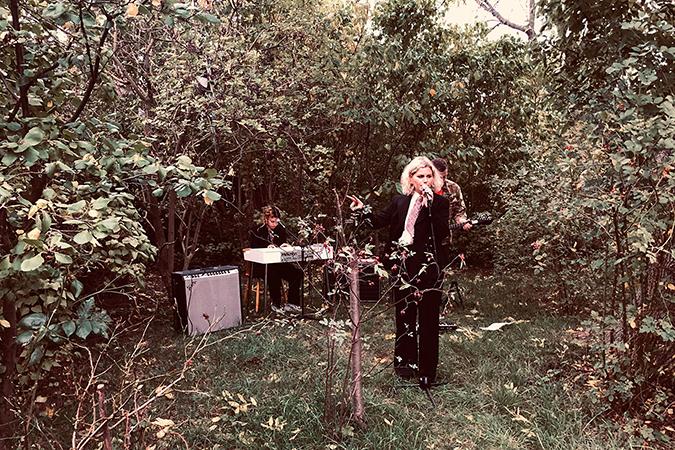 """""""I trädgården ska jag sjunga för dig…"""""""