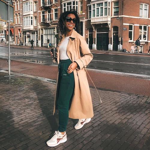 Nederlandse fashion influencer Amaka Hamelijnck in de influencer DNA top 30 lijst