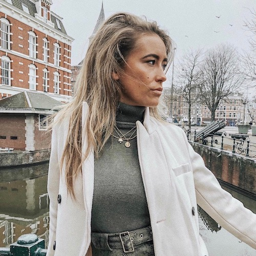 Nederlandse fashion influencer Saartje Bakker in de influencer DNA top 30 lijst
