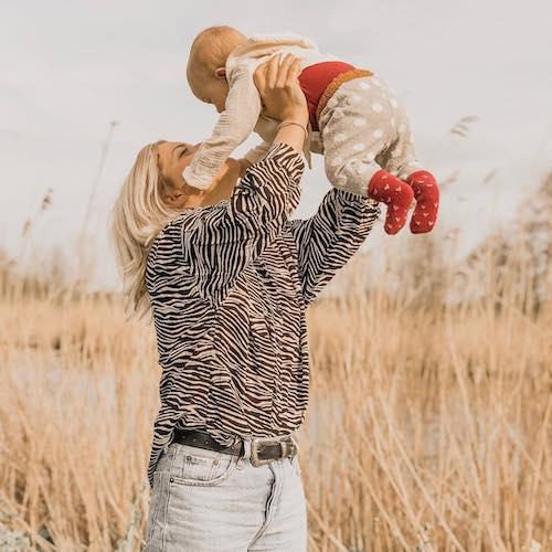Nederlandse mommy influencer Avji Antonakoudis in de Influencer DNA top 30 lijst