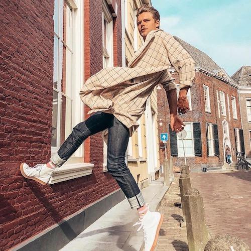 Nederlandse fashion influencer Alex Pander in de influencer DNA top 30 lijst
