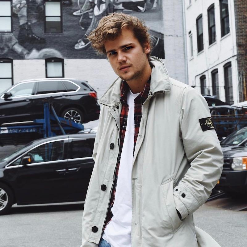 Nederlandse fashion influencer Isidoor van Esch in de influencer DNA top 30 lijst