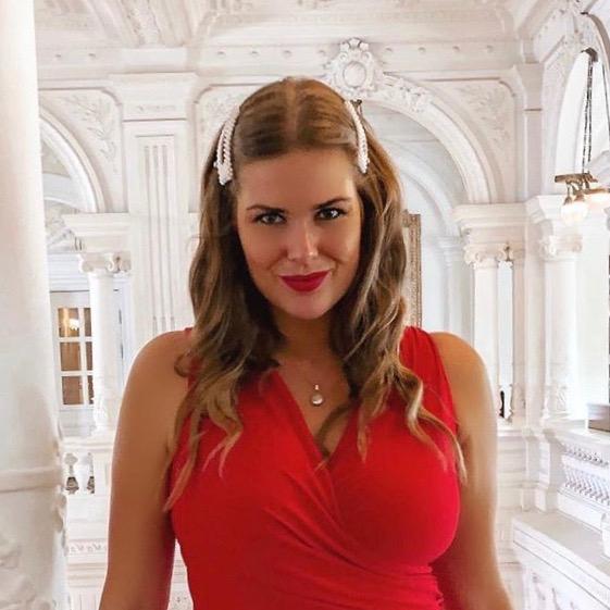 Nederlandse vrouwelijke fashion influencer Carmen Leenen in de Influencer DNA top 30