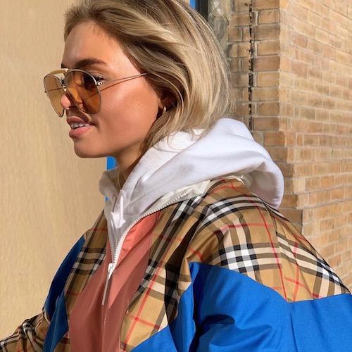 Nederlandse vrouwelijke fashion influencer Claartje Cliteur in de Influencer DNA top 30