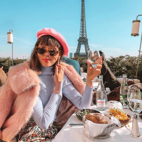 Nederlandse vrouwelijke fashion influencer Iris Dijkers in de Influencer DNA top 30