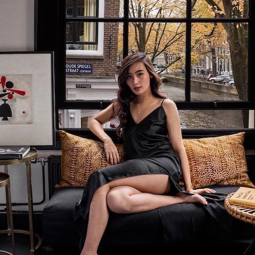 Nederlandse vrouwelijke fashion influencer Levi Nguyen in de Influencer DNA top 30 lijst
