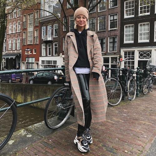 De Nederlandse vrouwelijke fashion influencer Nikki Marinus in de top 30 lijst van Influencer DNA