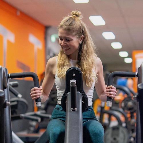 Nederlandse Sport Influencer Manon Urselmann in de influencer DNA top 30 lijst