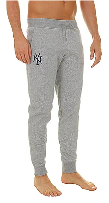 NY Yankees track pants from blackcomb-shop.com