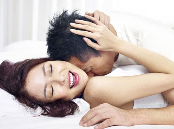 Quan hệ trong và sau ngày đèn đỏ có thai không? [Giải đáp chi tiết]
