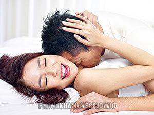 Quan hệ đau rát chảy máu ở nữ, nam tại sao? cách khắc phục