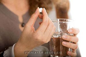 Uống thuốc điều hòa kinh nguyệt như thế nào có nên uống không?