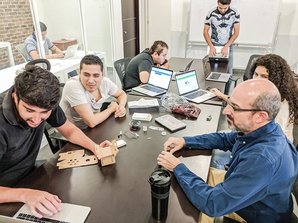 Participantes del primer Tech Jam de Handy