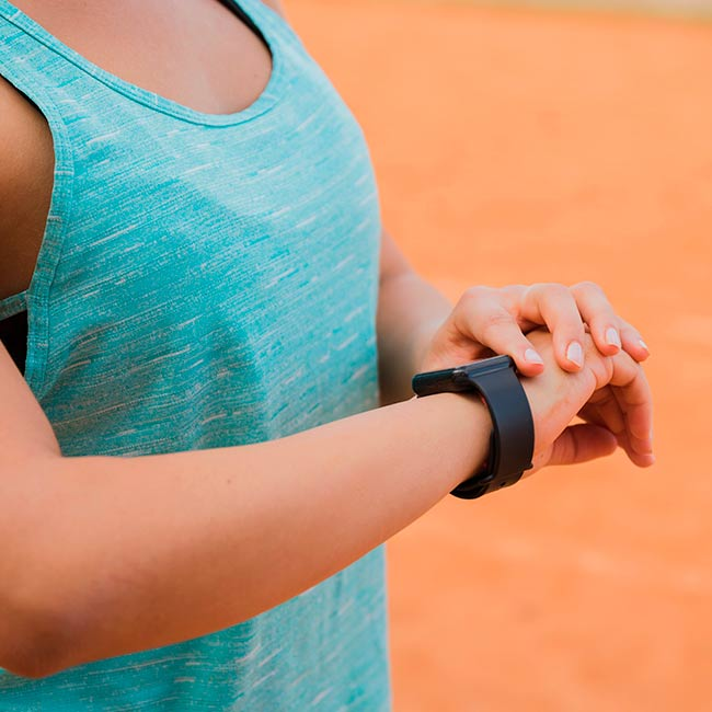 Fitness tracking system on smartwatches
