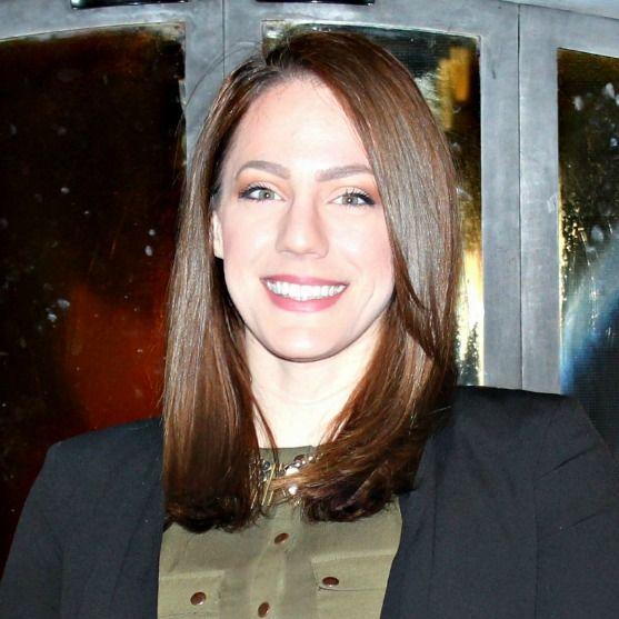 A headshot of Amanda Hinski.