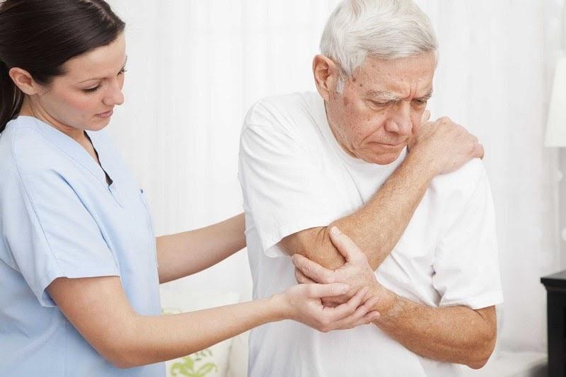 Người bệnh bị loãng xương thường không có những biểu hiện rõ ràng