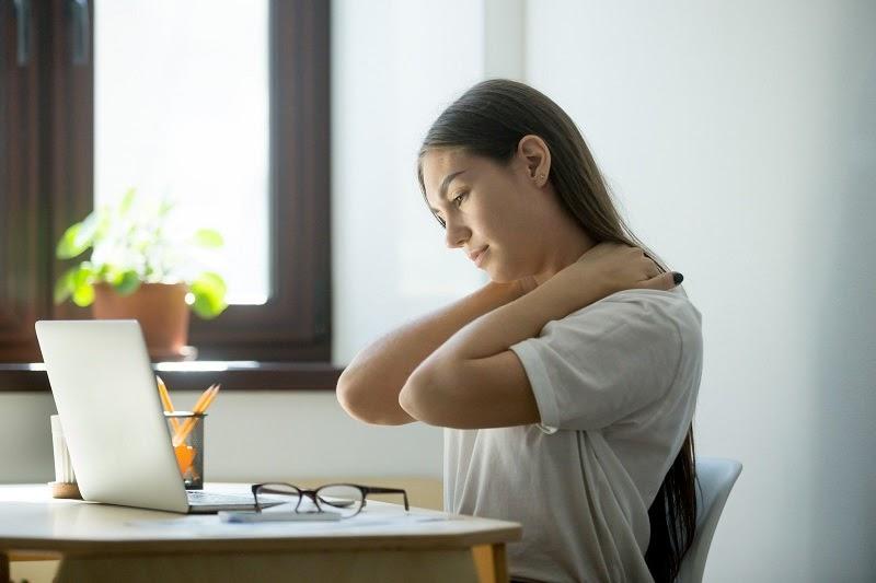 Đau vai gáy ảnh hưởng rất nhiều đến sức khỏe và cuộc sống hằng ngày