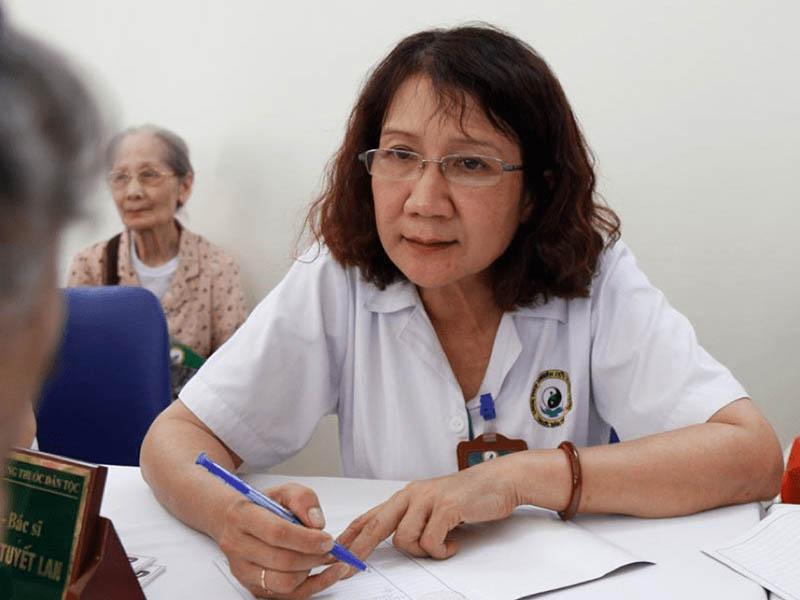Hình ảnh bác sĩ cơ xương khớp Nguyễn Thị Tuyết Lan
