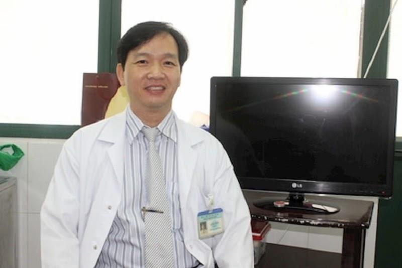 Bác sĩ Lê Văn Mười đang công tác tại Bệnh viện C Đà Nẵng