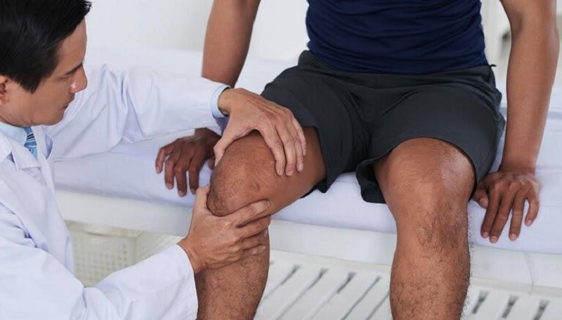 Khô khớp gối không hiếm gặp ở người già nhưng cũng xảy ra cả ở người trẻ