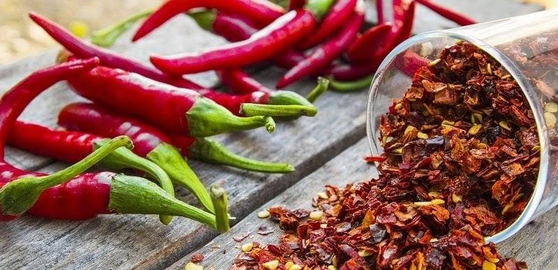 Hạn chế các loại đồ ăn cay nóng trong thực đơn hàng ngày