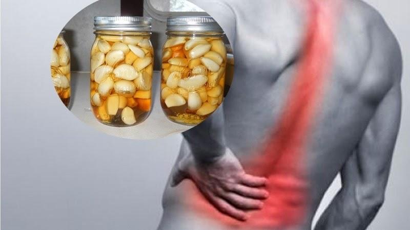 Gợi ý cách ngâm rượu tỏi chữa bệnh xương khớp hiệu quả
