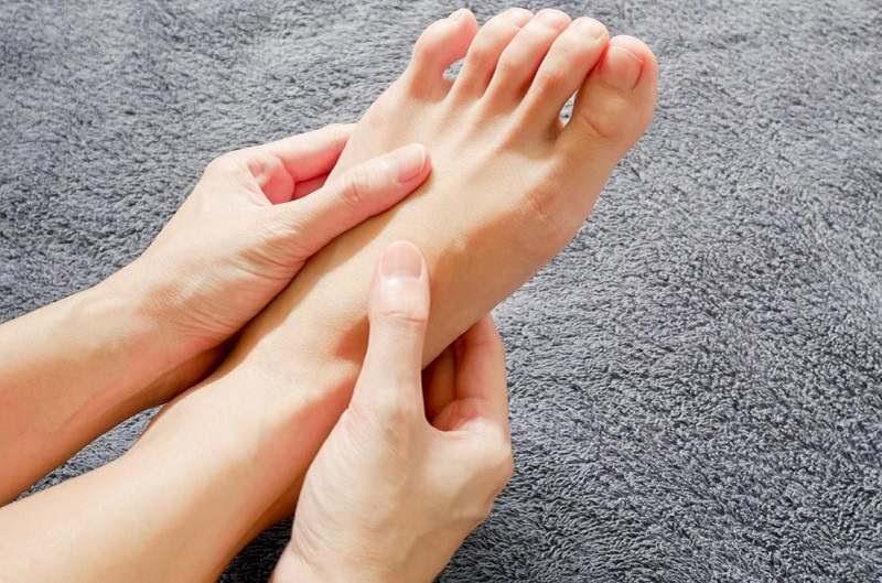 Không được xem thường tình trạng tê bì chân tay