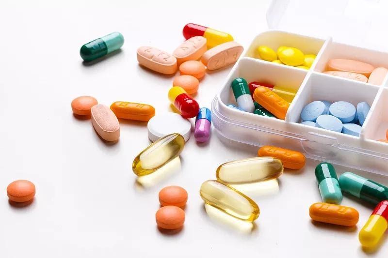 Thuốc tân dược là giải pháp chữa bệnh thoát vị đĩa đệm không cần phẫu thuật