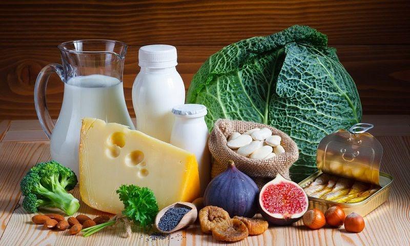 Viêm khớp nên ăn gì để bổ sung canxi?