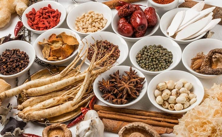 Một số vị thuốc thảo dược giảm đau nhức ở lưng thường được dùng