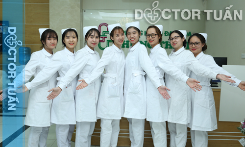 Đội ngũ y tá, điều dưỡng tại phòng khám Hưng Thịnh