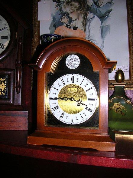 Shelf Mantel Table Clocks