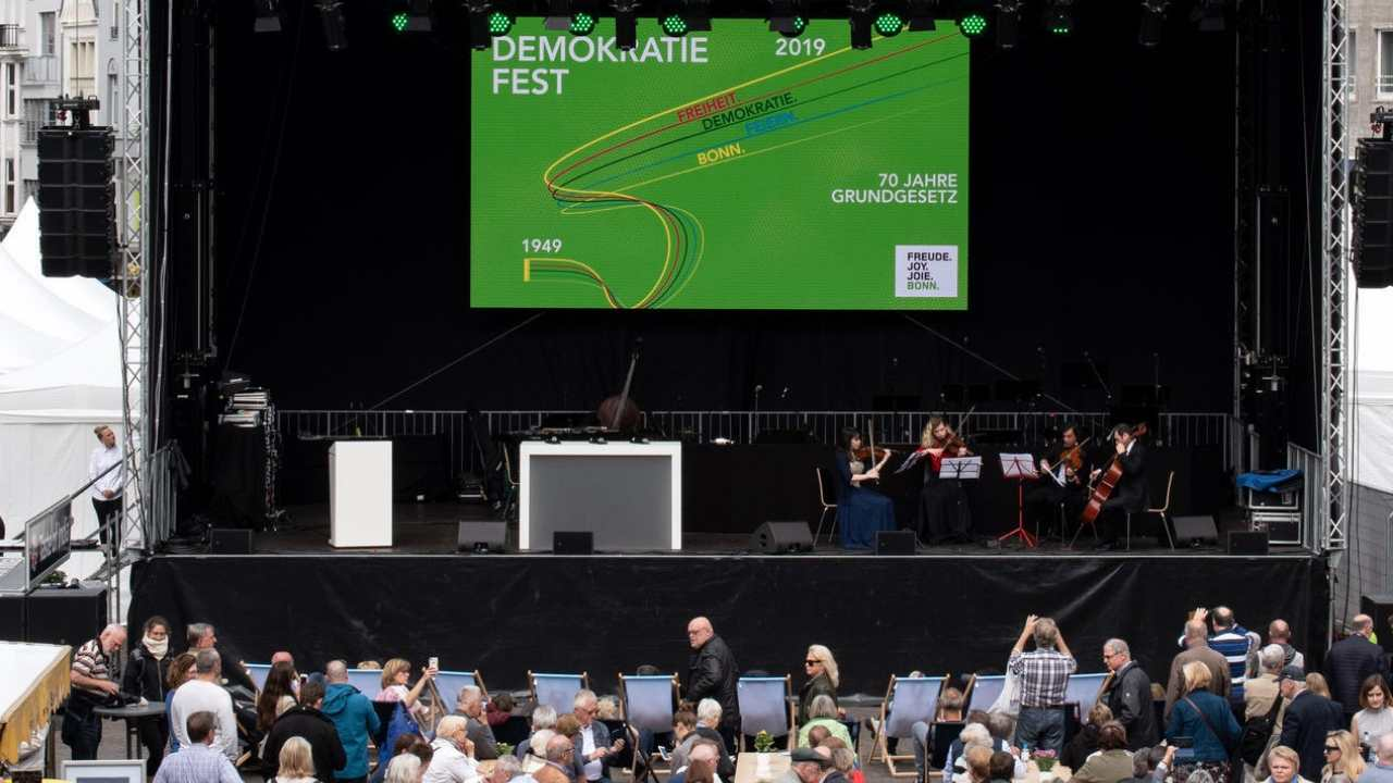 Gute Stimmung beim Demokratie-Fest in Bonn