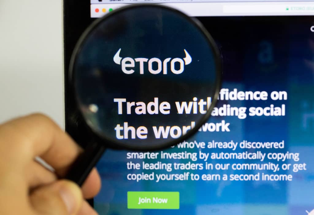 Etoro under a magnifying glass
