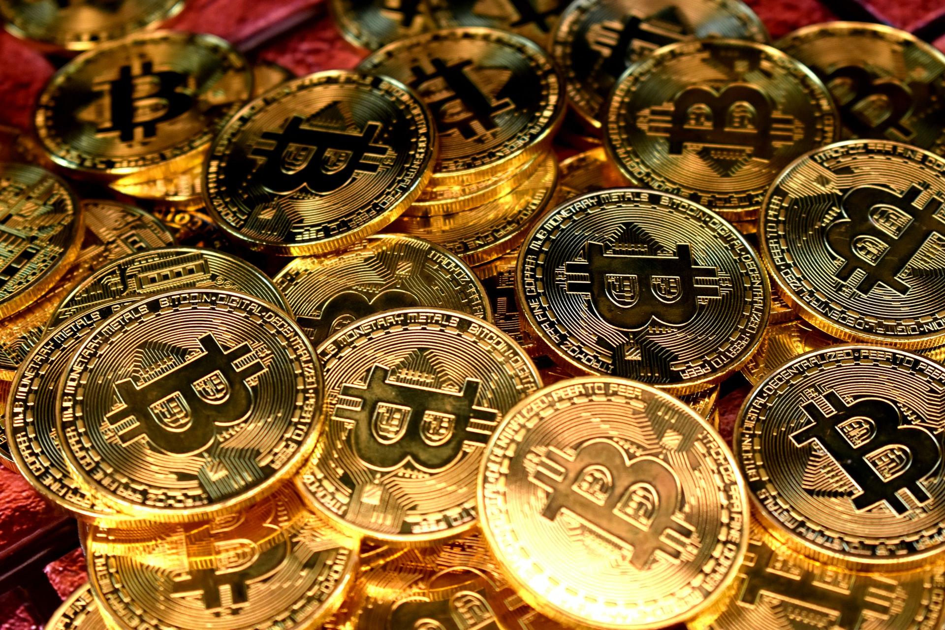 Monedas Bitcoin en oro