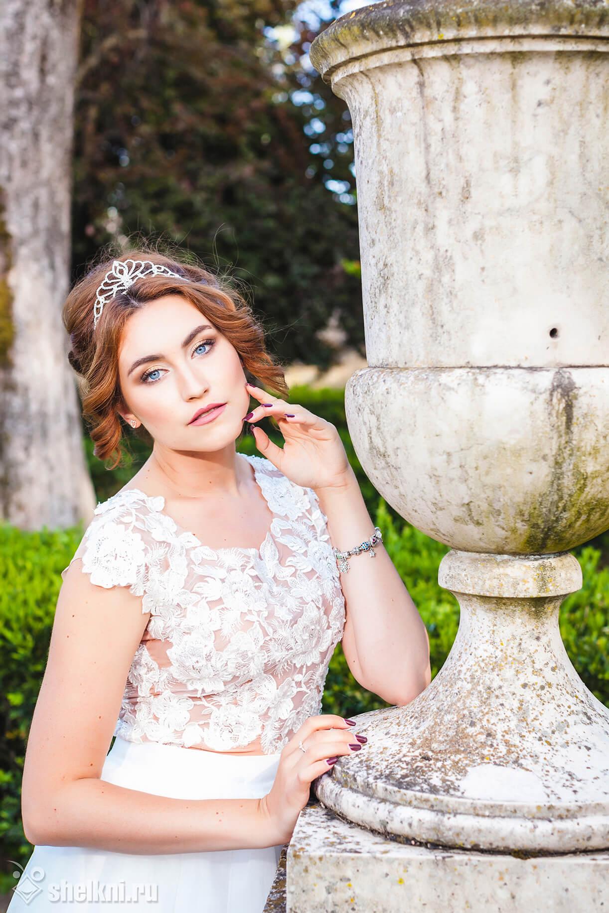 Свадебный образ. Невеста в парке