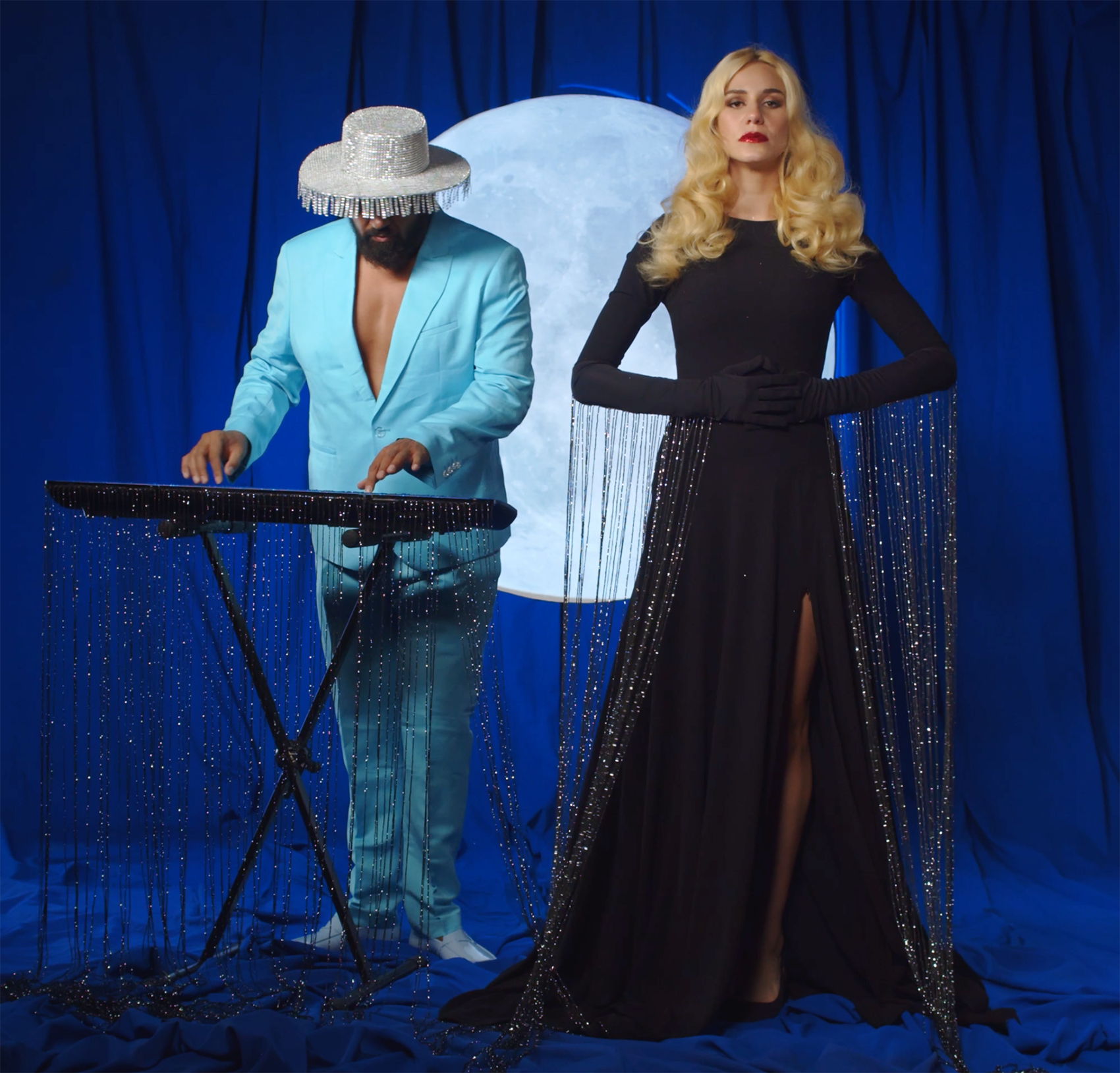 official still of  the music video  - Никой не може by Mila Robert and Azis.