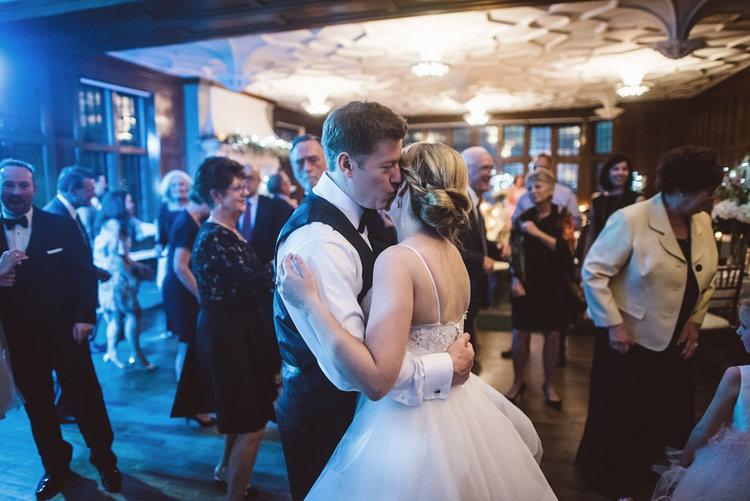 Wedding couples dancing