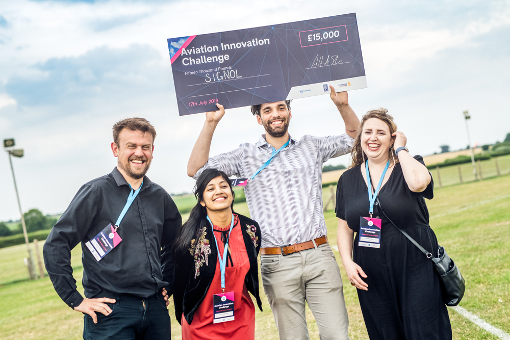 Signol was delighted to receive top prize for the Aviation Innovation Challenge at The Shuttleworth Collection.