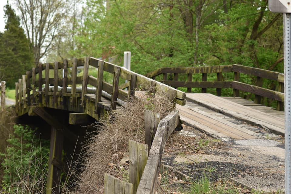 Bridge over tracks