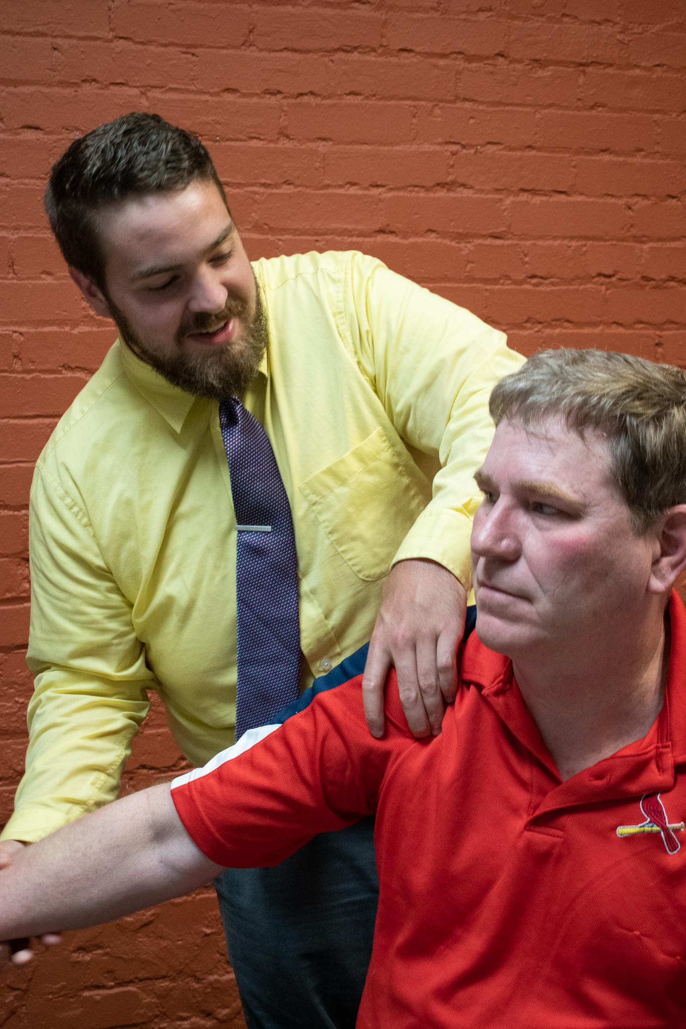 Dr. Wright adjusting patient