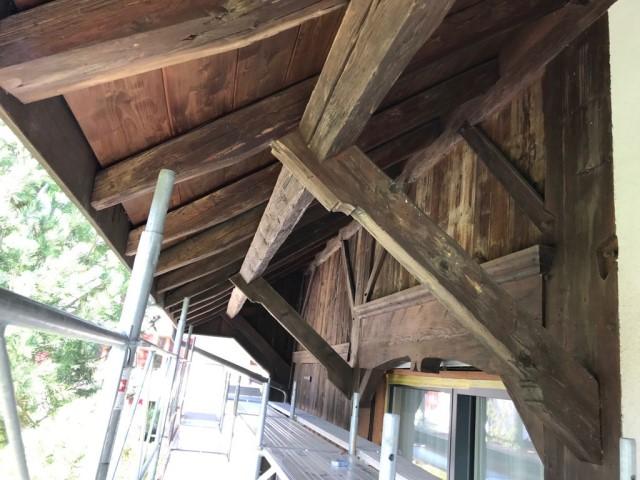 Avant-toit ferme rénovée