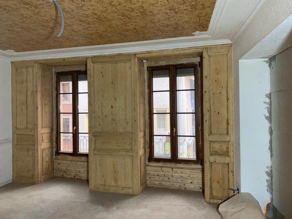 Microgommage d'un mur en bois à Yverdon