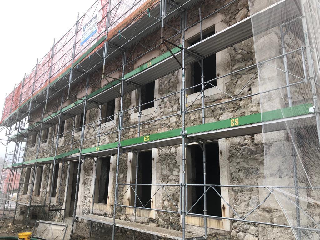 Sablage mur en pierre de taille