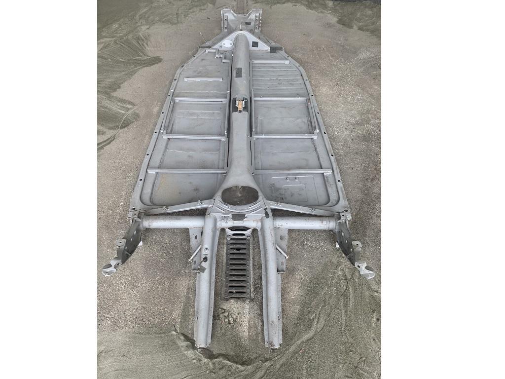 Sablage d'un chassis en métal