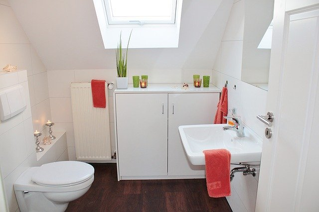 bathroom decorating tips on a budget